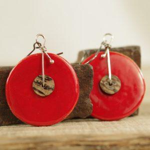 czerwone plasterki z muszlą