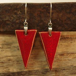 czerwone trójkąty
