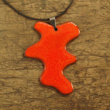 pomarańczowa plama w